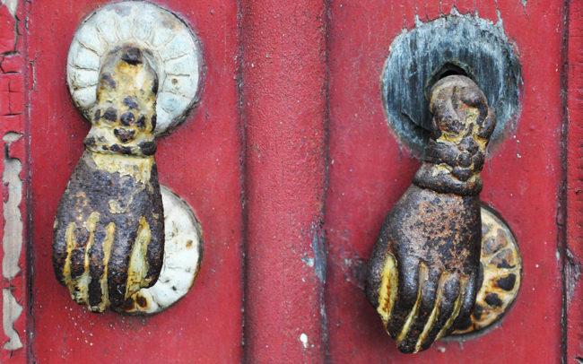 hand-shaped door knockers Castelo Branco Portugal kołatki